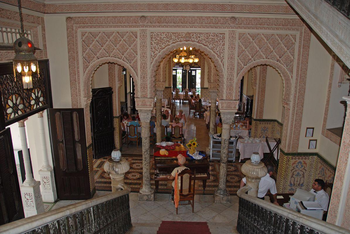 17-cuba-cienfuegos-palacio-valle-inside