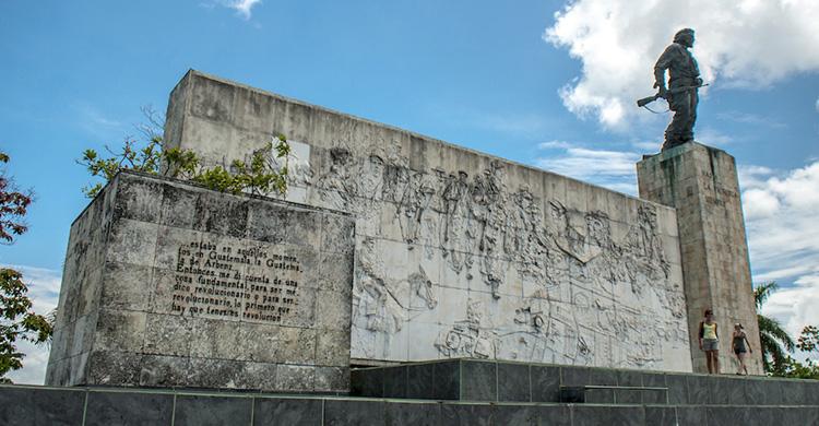 9-2-che-guevara-monument-2-copia